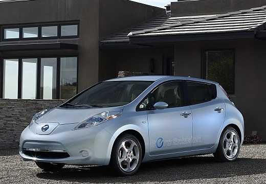 2012-nissan-leaf-front-angle-view