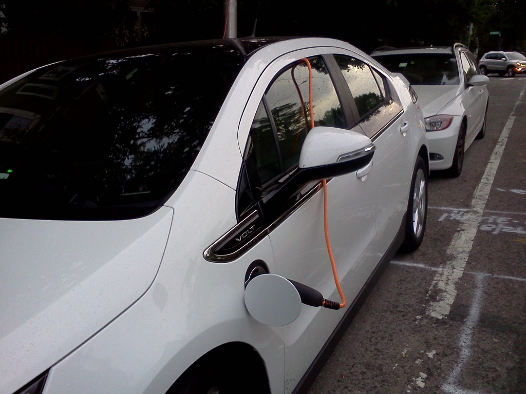 chevy-volt-recharging-on-the-street-in-cambridge-ma-photos-john-c-briggs_100439085_l