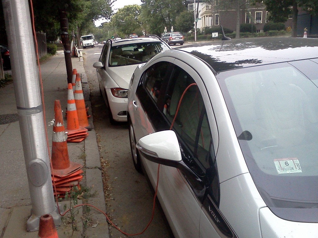 chevy-volt-recharging-on-the-street-in-cambridge-ma-photos-john-c-briggs_100439088_l